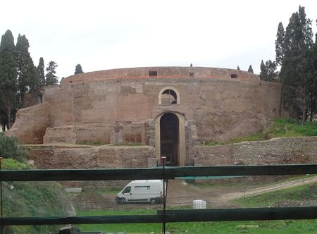 mausoleum_augustus2