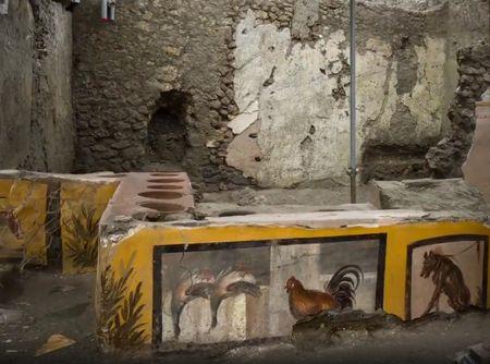 thermopolium_pompeii (1)
